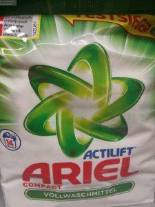 Vollwaschmittel Pulver von Ariel